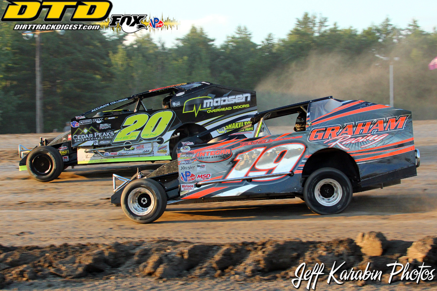 super dirtcar big block series hits cornwall motor. Black Bedroom Furniture Sets. Home Design Ideas