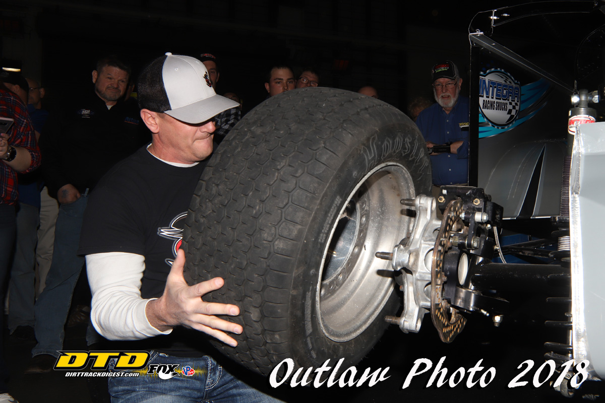 Sponsor named for outlaw speedway arnot mall tire changing dundee ny it was recently announced that dew pro excavating of corning ny will be the sponsor of the 2018 outlaw speedway arnot mall car show tire solutioingenieria Image collections